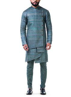 Shop Green Overlapped Ghicha Kurta Set from Anju Agarwal Wedding Dresses Men Indian, Wedding Dress Men, Wedding Men, Indian Men Fashion, Mens Fashion Suits, Mens Suits, Men's Fashion, Gents Kurta Design, Boys Kurta Design