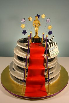 Hollywood Oscar Themed Birthday cake. --- My birthday will be just a few days before the Oscars, maybe a good idea