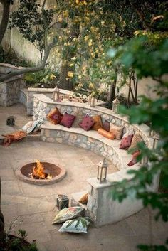 70 Easy DIY Outdoor Fire Pit and Cozy Seating Area Ideas Easy Diy Crafts easy diy fire pit Fire Pit Area, Diy Fire Pit, Fire Pit Backyard, Outdoor Fire Pits, Cozy Backyard, Garden Fire Pit, Fire Pit Seating, Backyard Seating, Backyard Patio Designs