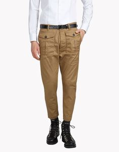 Are you looking for Dsquared2 Men Front Patch Pocket Pants? Discover all the details on the official store and shop online: delivery in 48 hours and secure payment.