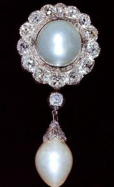 The Personal Jewel Collection of Elizabeth II | the duchess of cambridge born princess augusta of hesse was