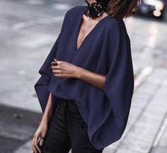 V-Neck Bat Sleeve Blouse – Majorgous Older Women Fashion, Womens Fashion, All Star Branco, Cool Summer Outfits, Casual Outfits, Fashion Outfits, Bat Sleeve, Batwing Sleeve, Dandy