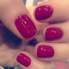 La manicure di Rossella Brescia  http://www.vanityfair.it/beauty/beauty-star/17/01/26/rossella-brescia-manicure-make-up-beauty-tips-star-foto-instagram