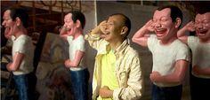 Pintaba en ppio los rostros de gente de su círculo,luego todos empezaron a parecerse a él mismo #YueMinjun #arte