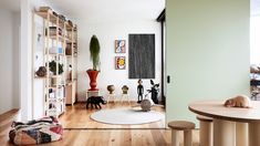 The Design Files - An Off-The-Plan Family Apartment Unlike Any Other. Australian Architecture, Australian Homes, Architecture Plan, Cute Diy, Brutalist Buildings, Family Apartment, Apartment Ideas, Interior Design Awards, Bath And Beyond Coupon
