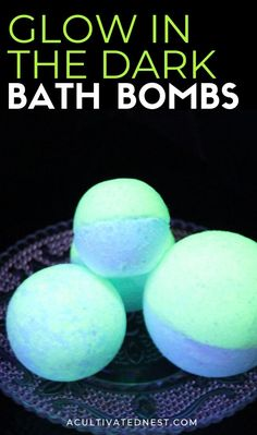 DIY Glow in the Dark Bath Bombs- A Cultivated Nest - DIY Glow in the Dark Bath Bombs- These DIY glow in the dark bath bombs are so easy to make and fun to use! They make a wonderful homemade beauty product gift as well! Beauty Products Gifts, Homemade Beauty Products, Bath Products, Bath Bomb Recipes, Soap Recipes, Halloween Bath Bombs, Bath Boms, Do It Yourself Organization, Homemade Bath Bombs