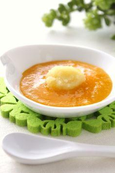 離乳食♡初期にぴったりな、さつま芋とかぼちゃのおかゆ♪ おかゆにかぼちゃのペースト混ぜて、上にさつま芋ペースト。