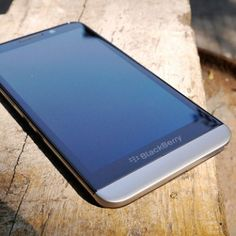 BlackBerry Z30 Snapdragon S4 Pro Plus, Dual Core 1.7GHz, 5.0inch HD IPS Screen, 2GB RAM, BlackBerry OS 10.2, 4G Phone.