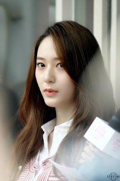 150901 f(Krystal) = Etude House Event in Shanghai Krystal Fx, Jessica & Krystal, Krystal Jung Fashion, Girls Group Names, Stupid Girl, Pretty Females, Sulli, Victoria, She Was Beautiful