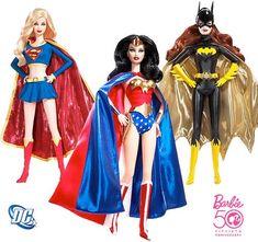 "Barbie Vestida de Mulher Maravilha, Batgirl e Supergirl! Por Dado Ellis em 26 de março de 2009 | Portuguese for ""Barbie Dressed as 'Wonder Woman,' 'Batgirl' & 'Supergirl'"" by Dado Ellis on 26 March 2009"