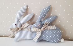 Art N Craft, Craft Stick Crafts, Diy And Crafts, Easter Bunny Decorations, Easter Wreaths, Bunny Crafts, Easter Crafts, Diy Ostern, Fabric Animals