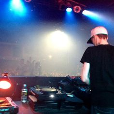 playing an exclusive set @ The GUVERNMENT nightclub in Toronto for the VELD Music Festival afterparty. He surprised me by playing some banging Techno. Veld Music Festival, Dead Mau5, Nightclub, Edm, Techno, Toronto, Rave, Concert, City