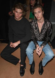 Jordan Barrett and Lucky Blue Smith attend the Roberto Cavalli show during Milan Fashion Week Fall/Winter on February 23 2018 in Milan Italy Beautiful Boys, Pretty Boys, Dudes With Long Hair, Jordan Barrett, Pose Reference Photo, Bright Blue Eyes, Lucky Blue Smith, Boy Fashion, Milan Fashion