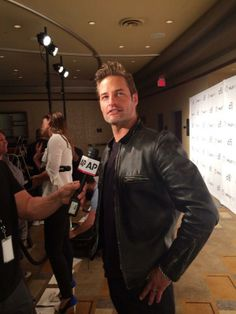 Josh Holloway at #paleyfest #Lost.
