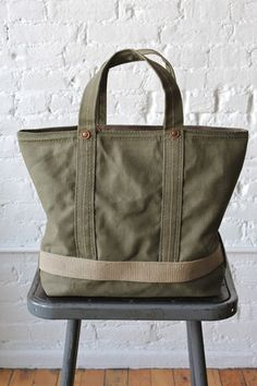 Online shopping for Totes - Handbags & Wallets from a great selection at Clothing, Shoes & Jewelry Store. Tote Bags For College, Diy Sac, Types Of Bag, Denim Bag, Cloth Bags, Medium Bags, Small Bags, Canvas Tote Bags, Leather Purses