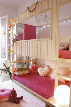 We have Kura´s bed, and we want transform it in a beautiful house for sleep and to dream for two kids… This is our creation… BEFORE: PLANIFICATION: AFTER: We need: • Wooden slats • Pine Cut to size. • Pine wood cut at 45 ° for beautify the window and door. • Slats Wood • [&hellip