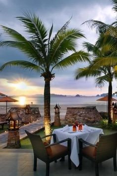 Al fresco dining at Amari Vogue, Krabi