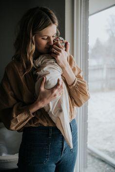 Super ideas for baby photography christmas mom Lifestyle Newborn Photography, Maternity Photography, Photography Photos, Modern Photography, Couple Photography, Children Photography, Nature Photography, Image New, Newborn Fotografie