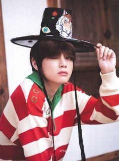 "ATOZ V on Twitter: ""[scan]2019 summer package  #방탄소년단 #BTS @BTS_twt… "" Bts Taehyung, Bts Bangtan Boy, Bts Boys, Daegu, Vmin, Boy Scouts, Mixtape, Bts Summer Package, Bts Twt"