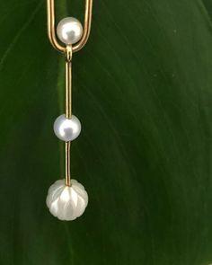 YAB STUDIO (@yabstudioltd) • Instagram-billeder og -videoer Gem S, Simple Jewelry, Precious Metals, Belly Button Rings, 18k Gold, Pearls, Studio, Instagram, Design