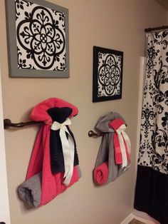 Cute way to hang towels for guest bathroom more passion deco, decorative towels, bath Passion Deco, Do It Yourself Baby, Home Decoracion, Diy Casa, Decoration Inspiration, Decor Ideas, Diy Ideas, Bath Ideas, Home Projects