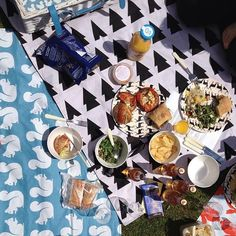 picnic anorak style - printed picnic blankets