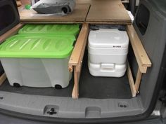 but the part can be expanded from a mini camper to something that I want to introduce my Caddy here. Auto Camping, Minivan Camping, Truck Camping, Ford Transit Custom Camper, Custom Campers, Van Conversion Layout, Camper Van Conversion Diy, Astuces Camping-car, Kangoo Camper