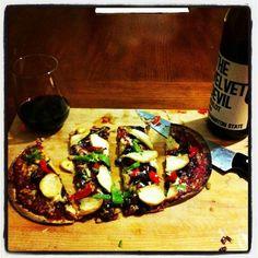 Chicken veggie pizza on flat bread Veggie Pizza, Flat Bread, Tacos, Veggies, Chicken, Ethnic Recipes, Food, Meal, Vegetables