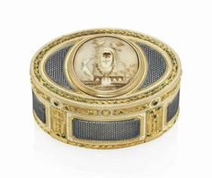 A LOUIS XV ENAMELLED GOLD SNUFF-BOX  BY JOSEPH-ÉTIENNE BLERZY (FL. 1768-1806), MARKED, PARIS, 1774/1775, WITH THE CHARGE AND DECHARGE MARKS OF JEAN-BAPTISTE FOUACHE 1774-1780, STRUCK WITH INVENTORY NO. 409 AND TWO FRENCH POST-1838 RESTRICTED WARRANTY MARKS FOR GOLD