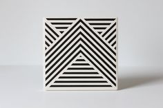 Black Geometric Coasters Ceramic Stripe Pattern Set por theCoastal