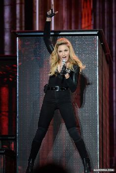 "Madonna: su línea de zapatos ""Truth or Dare"" supera en ventas a grandes marcas - http://www.impre.com/la-gente-dice/viewArticle.action?articleId=281474979011247"