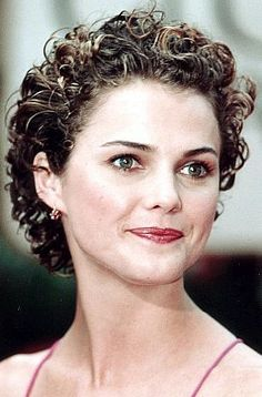 short curly hair Keri Russell - Love this if I ever get my hair cut short...