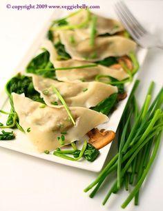 Edamame and Walnut Ravioli with Spinach Mushroom Saute #vegetarian. Can be made #vegan with vegan wonton wrappers
