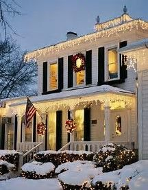 Colonial House Christmas Lights : colonial, house, christmas, lights, Colonial, Style, Homes, Christmas, Ideas, Homes,, Style,, Outdoor