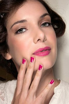 How cute are these fuschia nails?