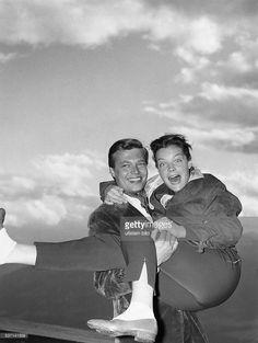 Schneider, Romy (*-+) , Schauspielerin, D, - mit Karlheinz Boehm bei den Dreharbeiten zu 'Sissi - die junge Kaiserin', - 1956