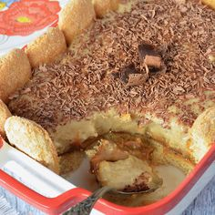 Vanilla, dulce de leche and pastry dessert - Yummi - Postres Easy Snacks, Easy Desserts, Cinnamon Banana Bread, Dessert Blog, Pan Dulce, Pastry And Bakery, Breakfast Cake, Sweet Recipes, Food And Drink