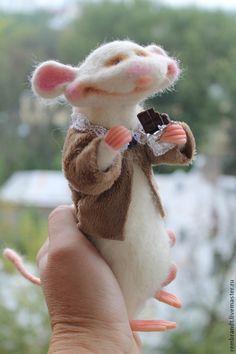 Сладкоежка - белый,войлочная мышка,шоколадка,шерсть