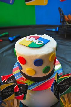 """UNO birthday cake. The top as """"Smash cake"""""""