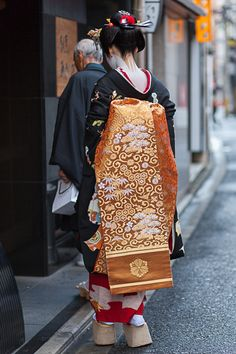 Misedashi Obi - Maiko Fukuharu (Gion Higashi) 見世出し Debut (bywalkkyoto)
