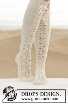 154-31, Knitted knee socks with lace pattern in Fabel