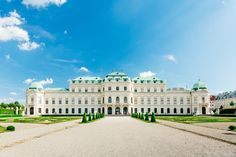 Enjoy a city tour along the famous Ringstrasse, see the most important tourist attractions of Vienna and visit the Schönbrunn Palace with a tour guide. World Famous Paintings, Big Mansions, Vienna State Opera, Palace Garden, Group Tours, Military History, Walking Tour, World Heritage Sites