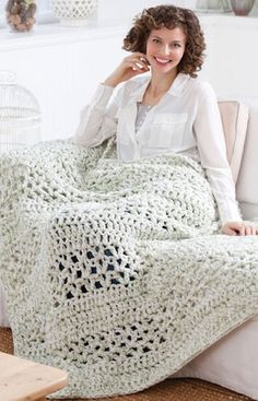 [Free Crochet Pattern] This Super Quick Throw Is Addictively Easy