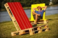 chair, diy, garden ideas, lounge, recycled pallet Garden lounge chair made with only two repurposed wooden pallets conveniently assembled and another piece of a pallet to provide the inclination system. The chairs are then painted with bright colors, the result is really nice and