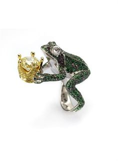 Chopard: frog with crown ring