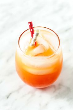 Festive and refreshing Sparkling Campari Orange cocktail Sparkling Campari Orange is a festive and refreshing cocktail that is extremely easy to mix. It tastes delicious and looks gorgeous. Fruity Drinks, Refreshing Cocktails, Yummy Drinks, Potato Cakes, Food Festival, Orange Cocktail, Smoothie Recipes, Drink Recipes, Just Desserts