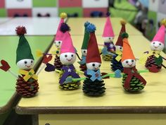 Kozalaktan etkinlik Crafts For Boys, Diy And Crafts, Sunday School Crafts, Winter Is Coming, Christmas Ornaments, Holiday Decor, Ideas, 3 Year Olds, Winter Time
