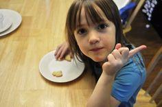 Νόστιμα και εναλλακτικά απογευματινά σνακ για το παιδί σας   InfoKids Field Day, Animal Crackers, Kai, Children, Food, Young Children, Boys, Kids, Essen