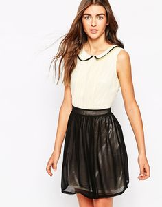 Iska Two Color Dress with Rounded Collar