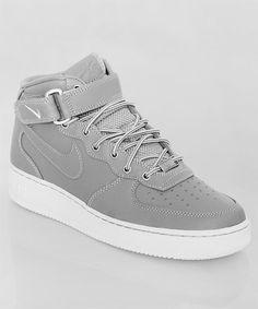 Frisch eingetroffen: der Nike Air Force 1 Mid 07 grey. Der legendäre Basketballschuh in klassischem Grau. Einfach immer ein cooler Look! Get it here: http://www.numelo.com/nike-air-force-1-mid-07-p-24391528.html